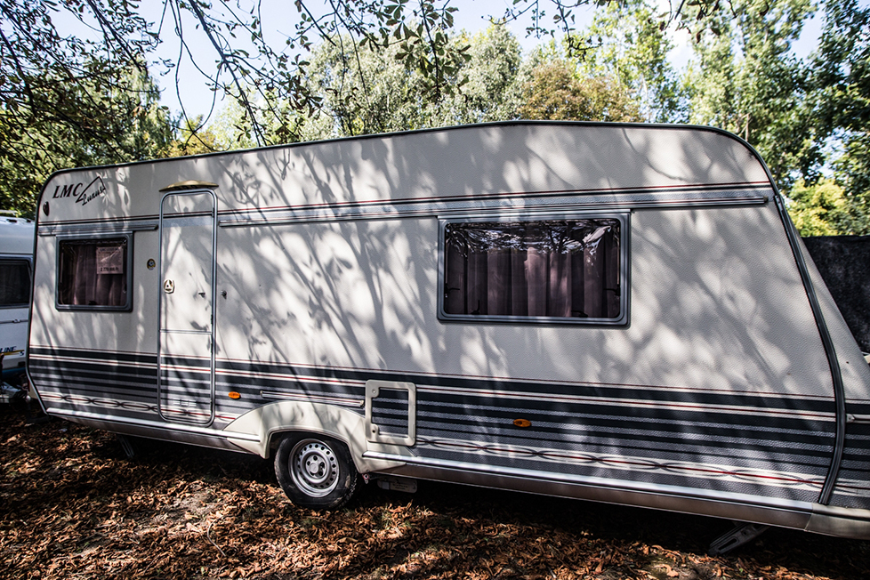 Deluxe Pre-settled caravan
